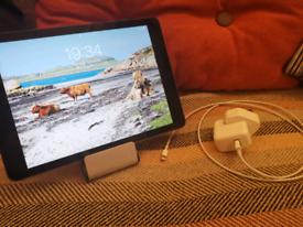Apple iPad Air 1st Gen 32gb, WiFi