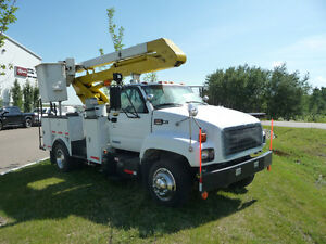 1998 GMC SERVICE TRUCK WITH BUCKET