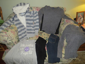 Ladies/Teen clothing, size small