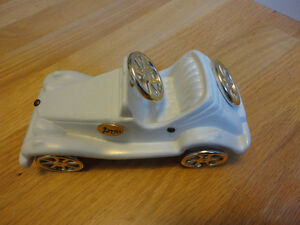 Decorative ceramic white wagon