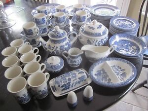 Vintage Churchill Made in Staffordshire England - Blue Willow Cambridge Kitchener Area image 2