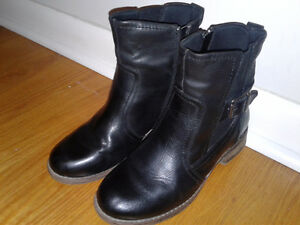 Tansy Leather Ankle Boots