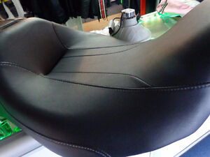 Harley seat 08 and later touring - NEW- recycledgear.ca