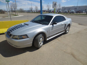2002 Ford Mustang Coupe (2 door)