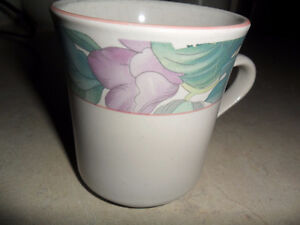7 coffee/tea cups china pearl stoneware