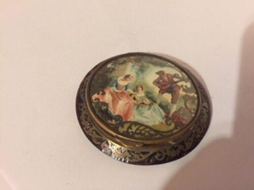 Vintage Victorian compact mirror makeup case