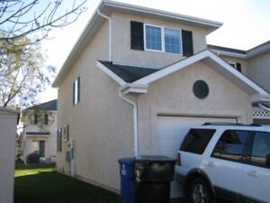 Briarwood - 3 Bedroom Gated Townhouse