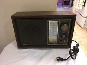 Panasonic retro am/fm radio model RE-6289 works great