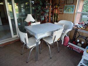 RETRO TABLE & CHAIRS Belleville Belleville Area image 1