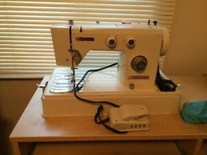 SEWING MACHINE - TABLE TOP