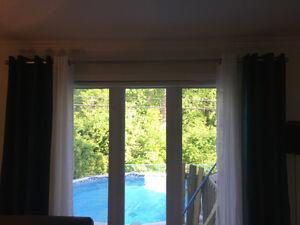 Pôles et rideaux neufs