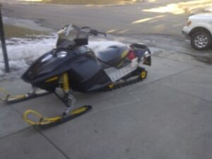 800 Ski-Doo Summit High Mark H.O.