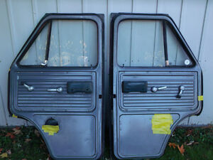 1971-95 GMC or Chevy Doors Front, left and right London Ontario image 6