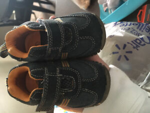 Teeny Toes Baby Boy sneakers size 3