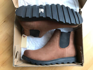 Sorel Women's Ainsley Chelsea Boot in Burro Leather (Brand New)