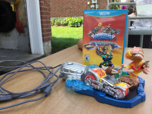 WiiU video game SKYLANDERS!!