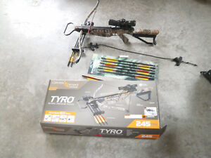 Tyro Centerpoint archery bow new condition!
