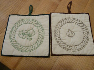 Set of 2 handmade emboirdered and quilted hot pads with garlic