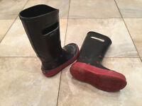 Boggs Unisex  size 13 Youth Rain Boots