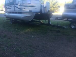 ***USED AND NEW TRAILERS*** PONTOON AND POWERBOATS - IN STOCK !