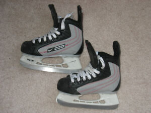 Nike Bauer Ignite ice skate like new size Y10-kids' shoe size 11