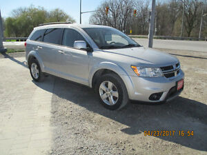 REDUCED !!!  2011 Dodge Journey SXT Sedan
