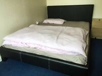 5FT Kingsize bed with mattress - excellent condition // free delivery