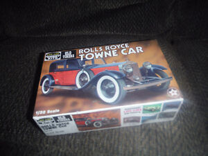 Life-Like Old Timers Rolls Royce Towne Car plastic model kit