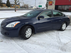 2011 Nissan Altima 2.5L - IMMACULATE ! - Amazing Fuel Efficiency