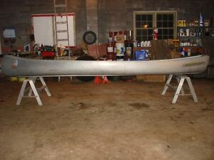 16ft Peterborough flat back canoe