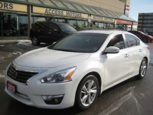 2013 Nissan Altima SV, Niaigation, Leather, Sunroof, Extra Clean