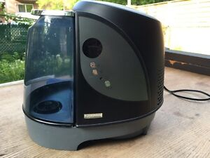 Humidifier like new, with one filter