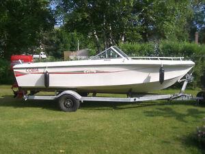 18 ft Cobia Boat with 120 HP Evinrude Outboard Motor & Trailer