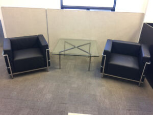 Lounge Chairs - LC2 Chair   Le Corbusier Style and Glass Table