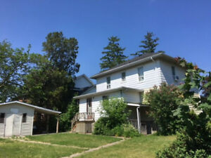 Niagara Falls, ON Home for 3 (or 4) - available immediately!