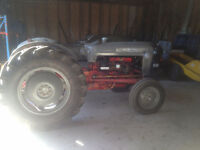 Tracteur Ford 801 antique 1958