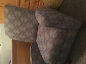 Accent recliner chair