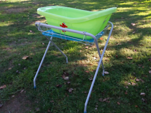 Baby bath and stand Tallangatta Towong Area Preview