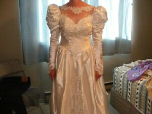 Size 9 Fancy wedding dress