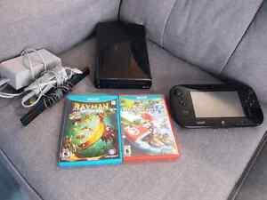 Console wii u avec deux jeux Mario kart et Rayman