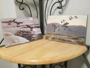 2 BEAUTIFUL GOOSE GEESE PRINTS ON WOOD GREAT CONDITION