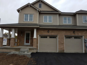 STUNNING BRAND NEW NIAGARA FALLS 3 BED 2.5 BATH HOME