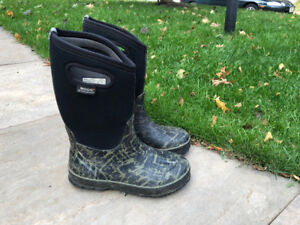 For Sale: Bogs Winter Boots for Kids,  Size 4, barley used, $30