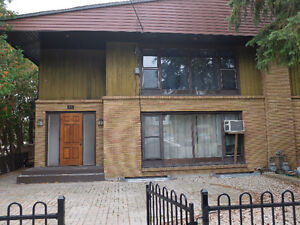 1 bedroom apartment closet o Glebe and Riverside