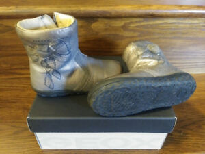 GEOX girls winter boots size 7 toddler