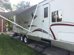 REDUCED PRICE - 2005 Jayco Eagle 278FBS with 16' slide