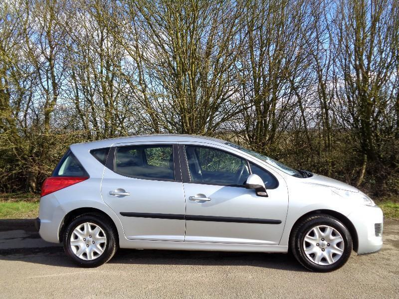 2010 peugeot 207 sw 1 4 vti s 5dr a c in sheffield south yorkshire gumtree. Black Bedroom Furniture Sets. Home Design Ideas