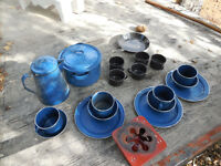 Camping dishes