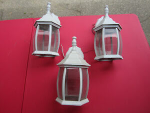 3 WHITE OUTDOOR COACH LIGHTS