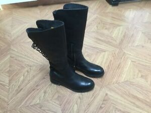Womens High Winter boots.